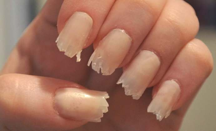 how to put lines on your nails